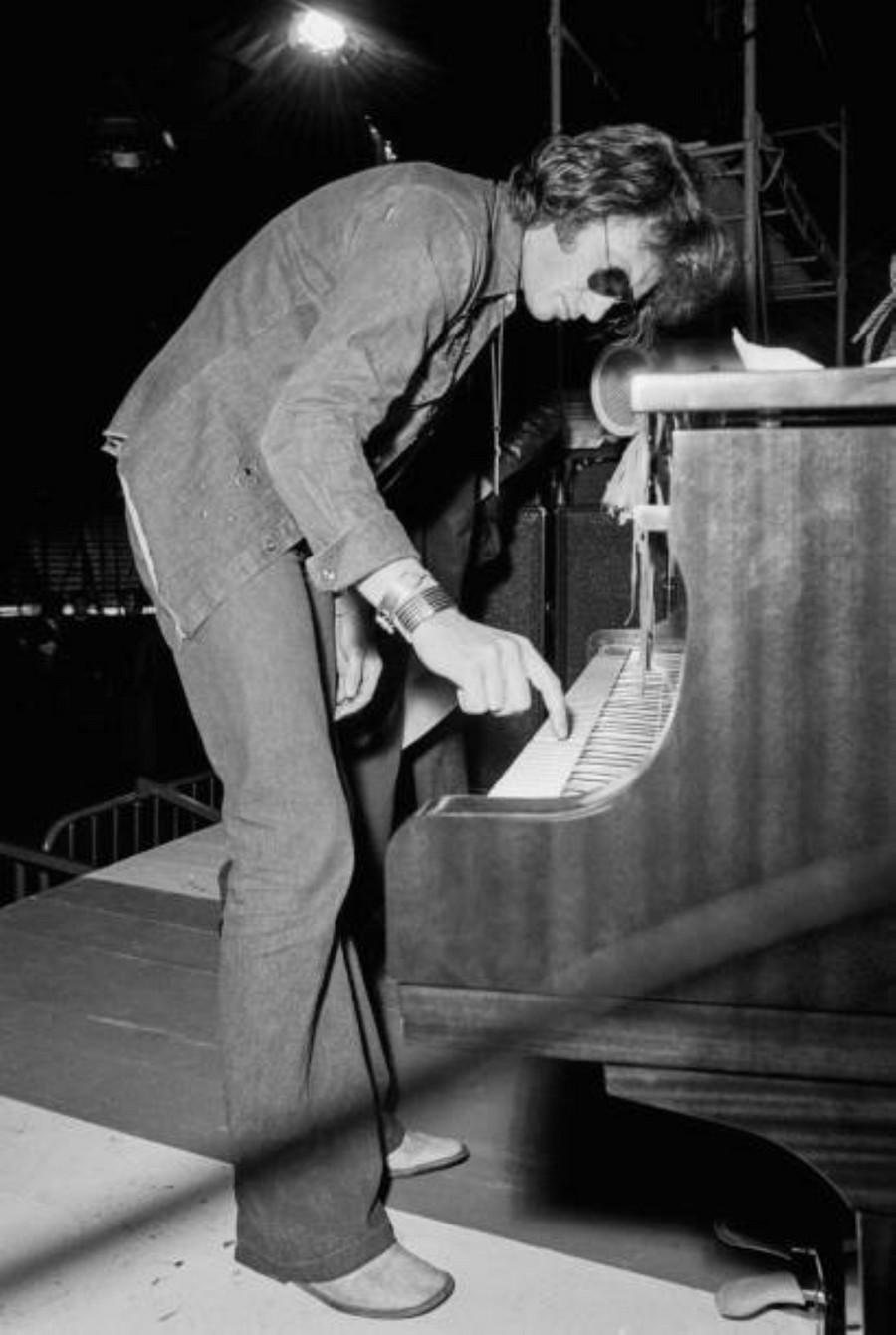 LES CONCERTS DE JOHNNY 'TOURNEE JOHNNY CIRCUS 1972' Getty143