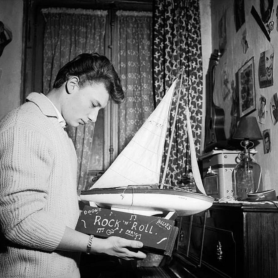 LES CONCERTS DE JOHNNY 'AU VIEUX COLOMBIER, JUAN LES PINS 1960' Getty676