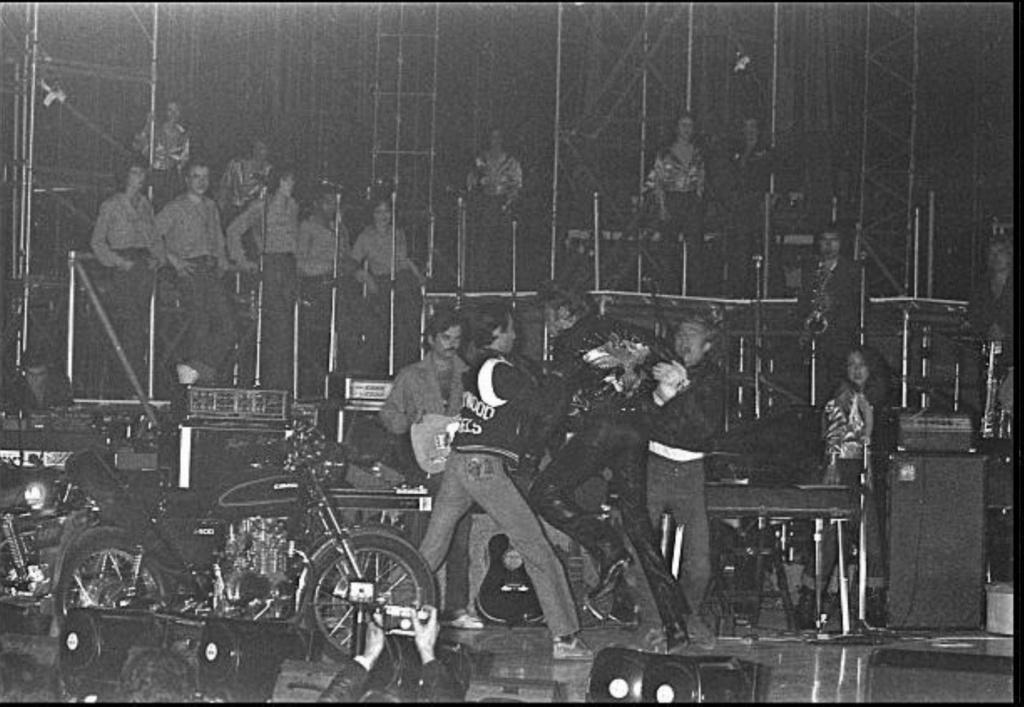 KAWASAKI Z 400 DE JOHNNY HALLYDAY ( 1975 ) Gettyi34