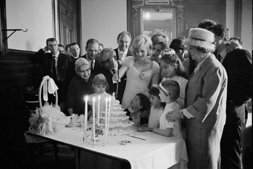 PROPRIETE OU A RESIDE JOHNNY HALLYDAY ( 1/10 ) 'LOCONVILLE' ( 1963-1979 ) Gettyi48