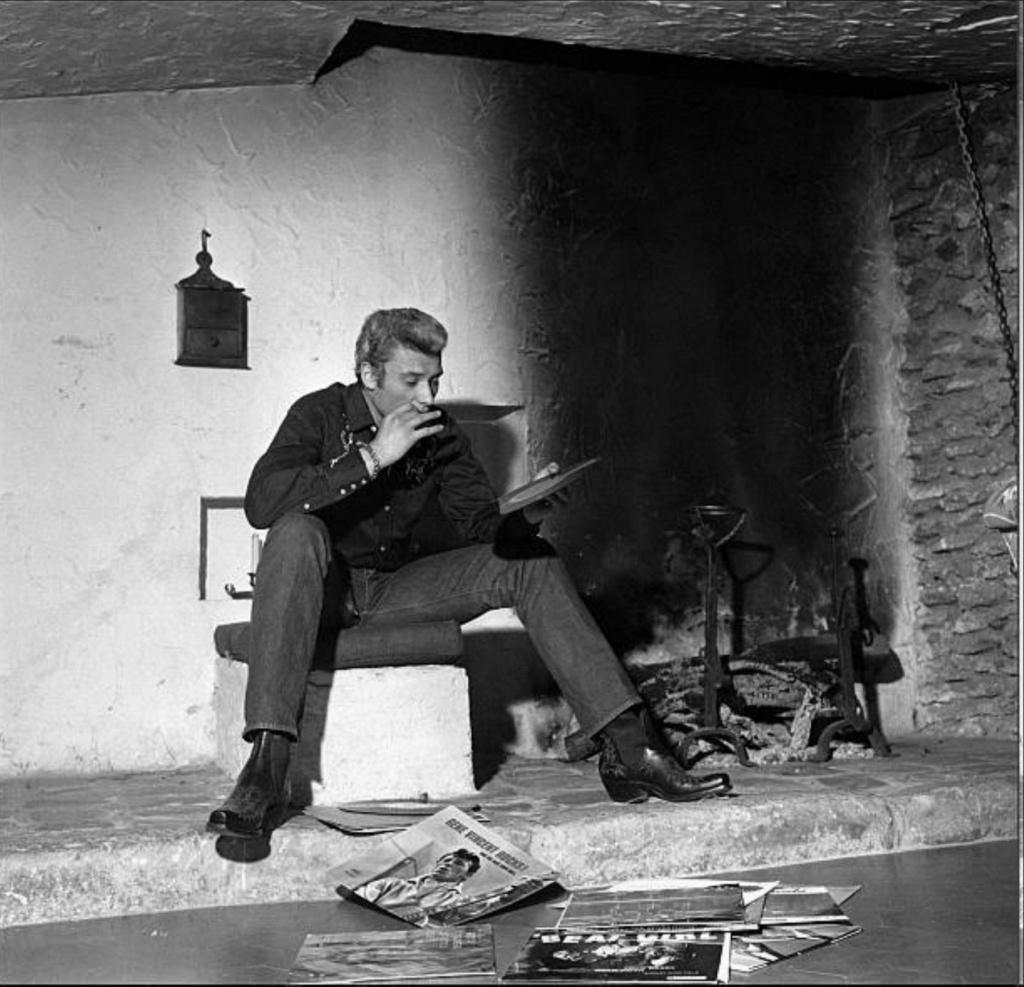PROPRIETE OU A RESIDE JOHNNY HALLYDAY 'GROSROUVRE ( 1963-1965 ) Gettyi62