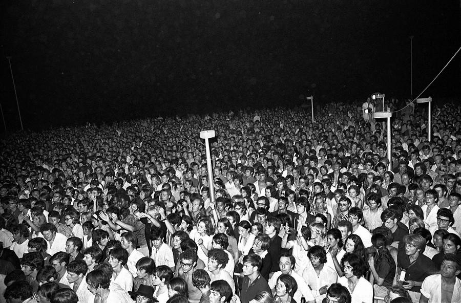 LES CONCERTS DE JOHNNY 'PORT BARCARES 1969' Image810