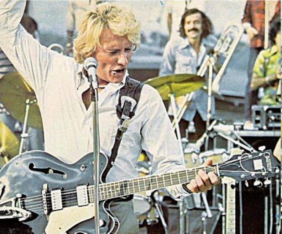 LES CONCERTS DE JOHNNY 'PORTE-AVIONS ''FOCH'', TOULON 1979' Img11010