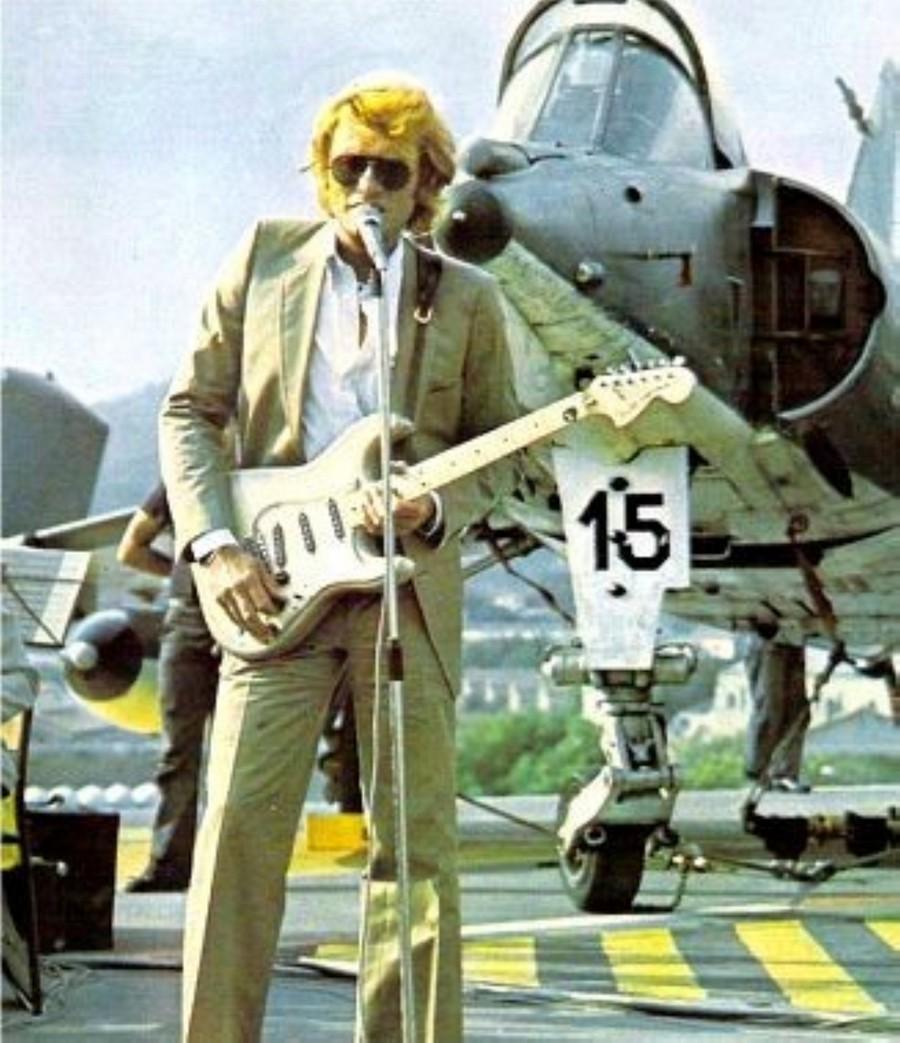 LES CONCERTS DE JOHNNY 'PORTE-AVIONS ''FOCH'', TOULON 1979' Img11110
