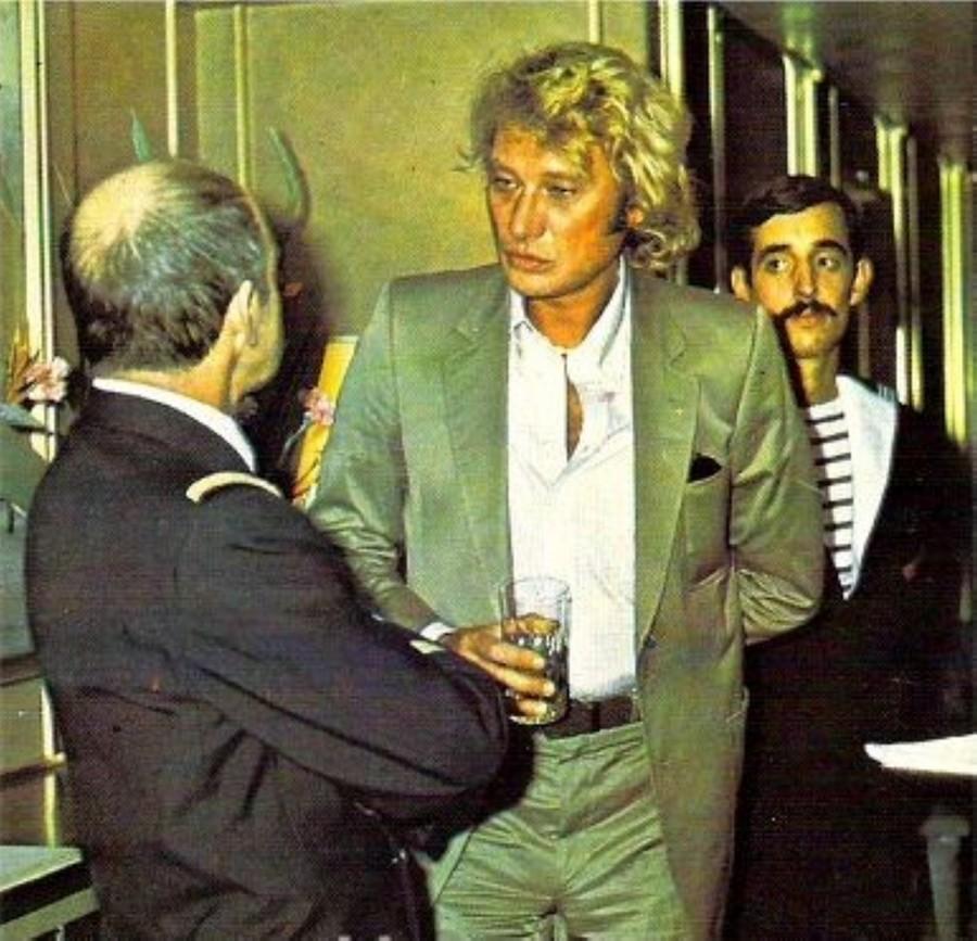 LES CONCERTS DE JOHNNY 'PORTE-AVIONS ''FOCH'', TOULON 1979' Img51010