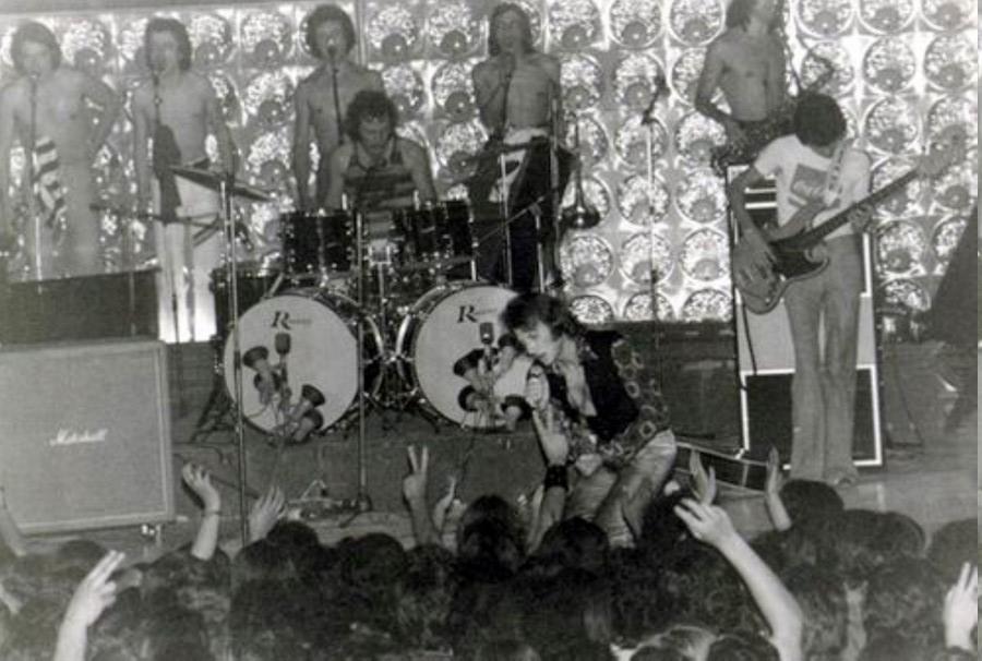 LES CONCERTS DE JOHNNY 'TOURNEE JOHNNY CIRCUS 1972' Jc0811
