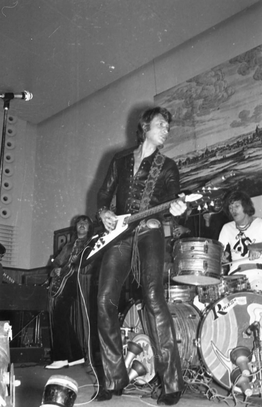 LES CONCERTS DE JOHNNY 'DIJON 1970' Johnn131