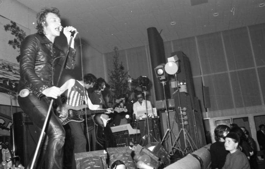 LES CONCERTS DE JOHNNY 'DIJON 1970' Johnn133