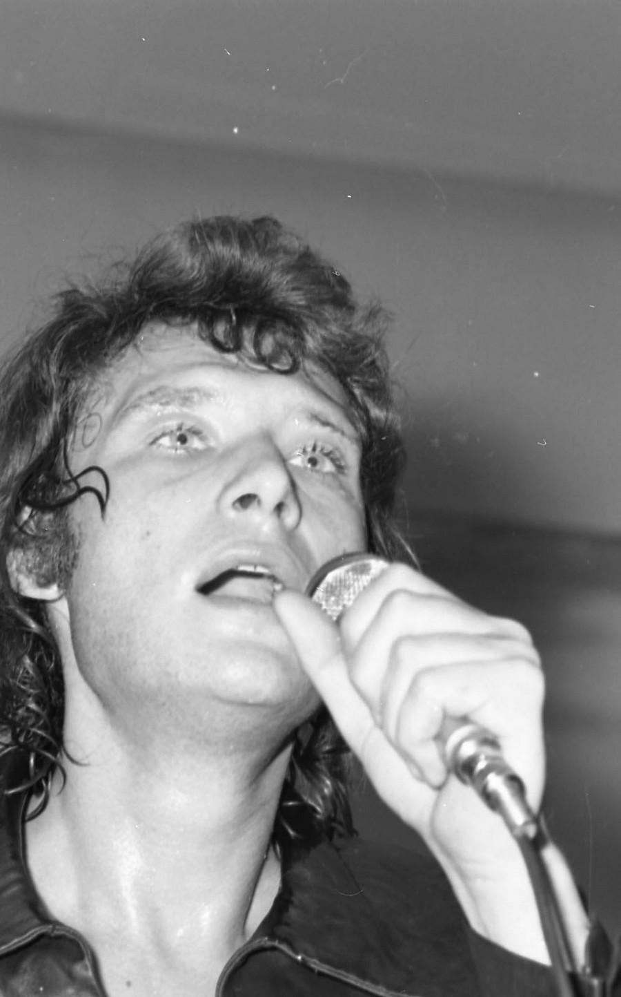 LES CONCERTS DE JOHNNY 'DIJON 1970' Johnn136