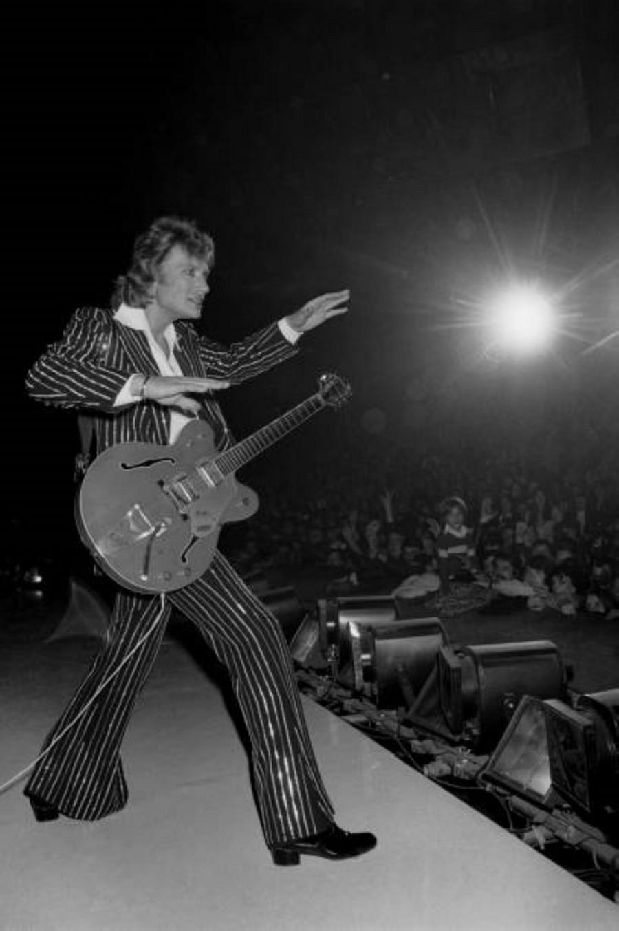 LES CONCERTS DE JOHNNY 'PALAIS DES SPORTS DE PARIS 1976' La_der10
