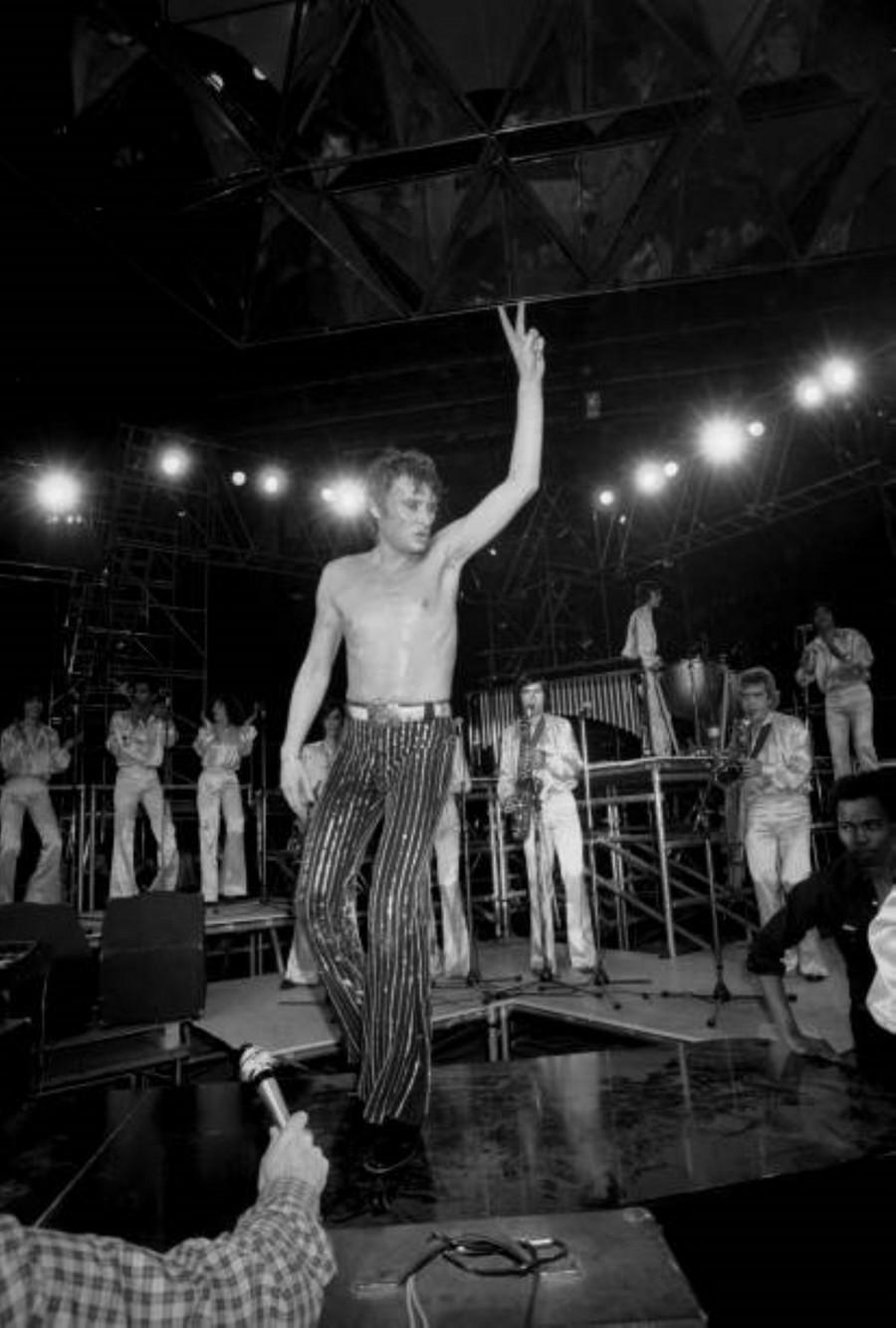 LES CONCERTS DE JOHNNY 'PALAIS DES SPORTS DE PARIS 1976' La_der13