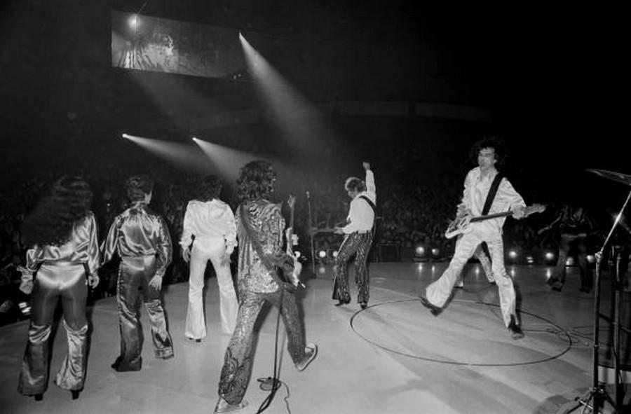LES CONCERTS DE JOHNNY 'PALAIS DES SPORTS DE PARIS 1976' La_pre10
