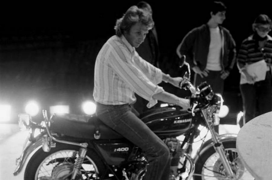 LES CONCERTS DE JOHNNY 'PALAIS DES SPORTS DE PARIS 1976' Rzopzo14