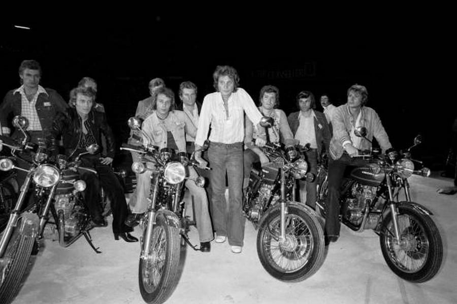 LES CONCERTS DE JOHNNY 'PALAIS DES SPORTS DE PARIS 1976' Rzopzo15
