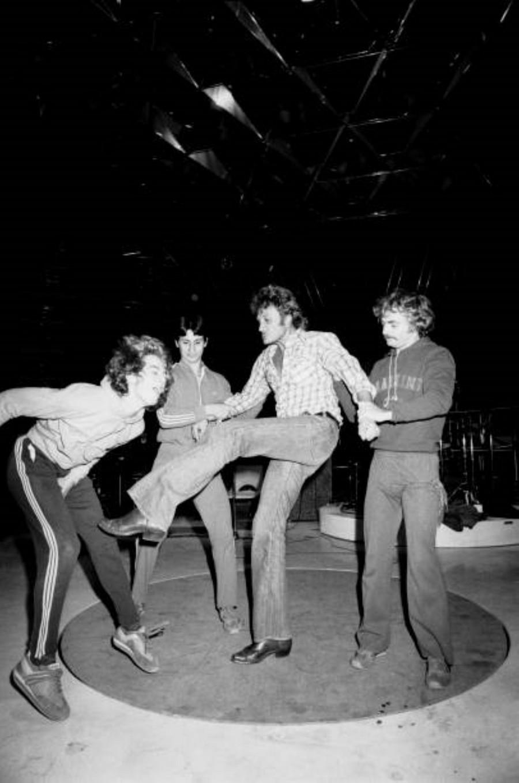 LES CONCERTS DE JOHNNY 'PALAIS DES SPORTS DE PARIS 1976' Rzopzo16