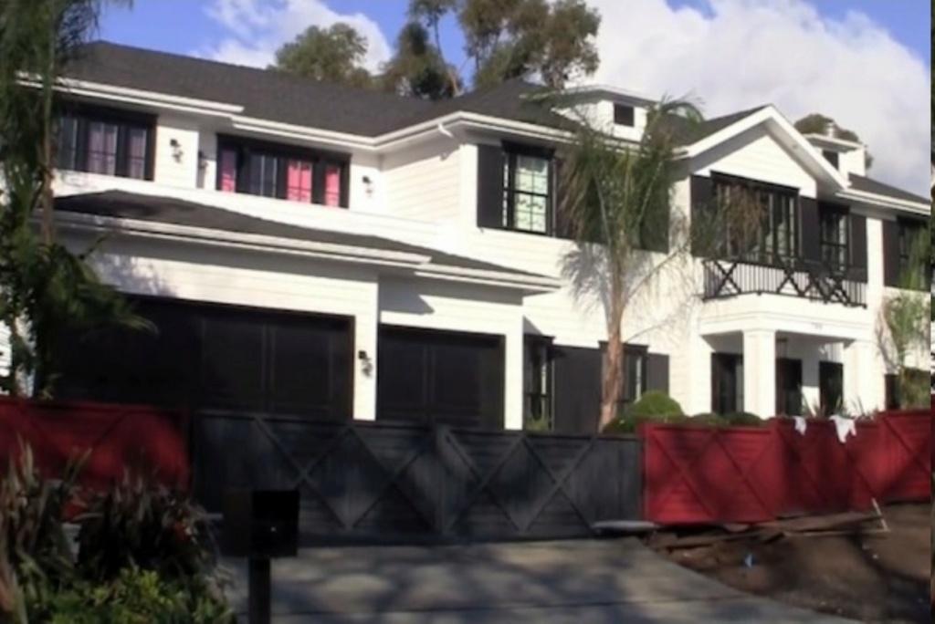 PROPRIETE OU A RESIDE JOHNNY HALLYDAY ( 4/10 ) 'LOS ANGELES' ( 2010-2021 ) Sans_242