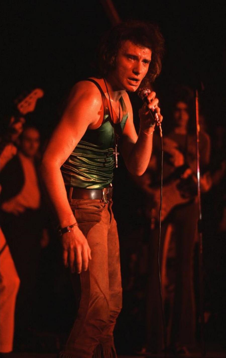 LES CONCERTS DE JOHNNY 'TOURNEE JOHNNY CIRCUS 1972' Sans_400