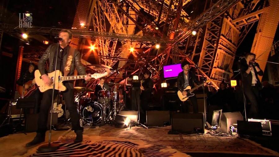 LES CONCERTS DE JOHNNY 'LA TOUR EIFFEL, PARIS 2011' Sans_680