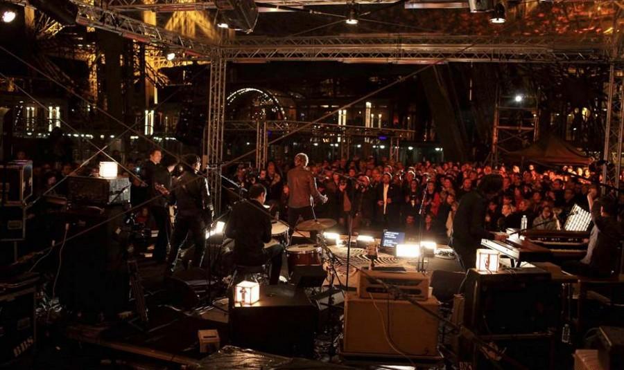LES CONCERTS DE JOHNNY 'LA TOUR EIFFEL, PARIS 2011' Sans_683
