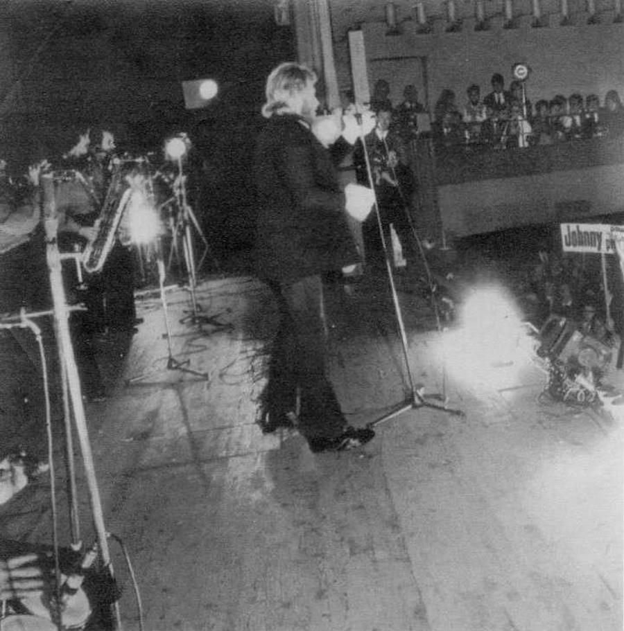 LES CONCERTS DE JOHNNY 'PALAIS D'HIVER DE LYON 1968' Sans_841