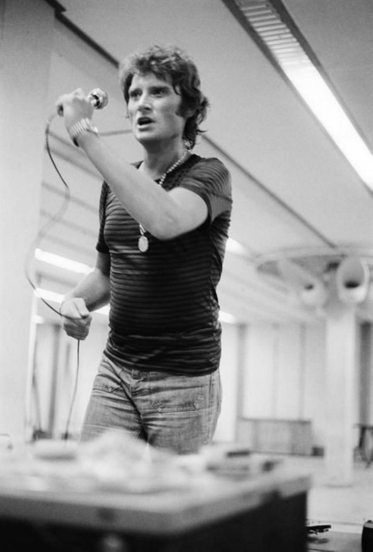 LES CONCERTS DE JOHNNY 'PALAIS DES SPORTS DE PARIS 1976' Sans_965