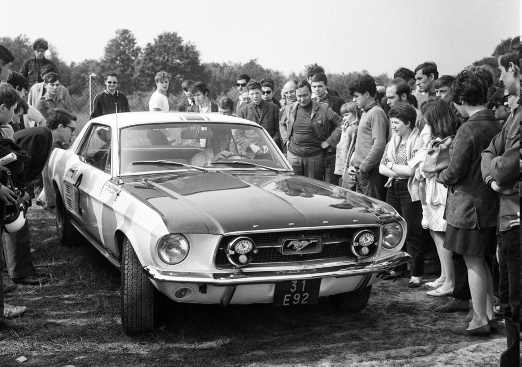 FORD MUSTANG GT 390 COUPE DE JOHNNY HALLYDAY ( 1967 ) Sans_t83