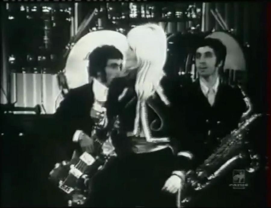 LES CONCERTS DE JOHNNY 'OLYMPIA DE PARIS 1967' Vlcs1030