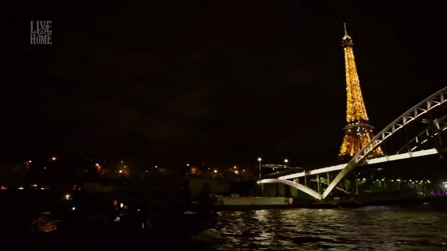 LES CONCERTS DE JOHNNY 'LA TOUR EIFFEL, PARIS 2011' Vlcs1721