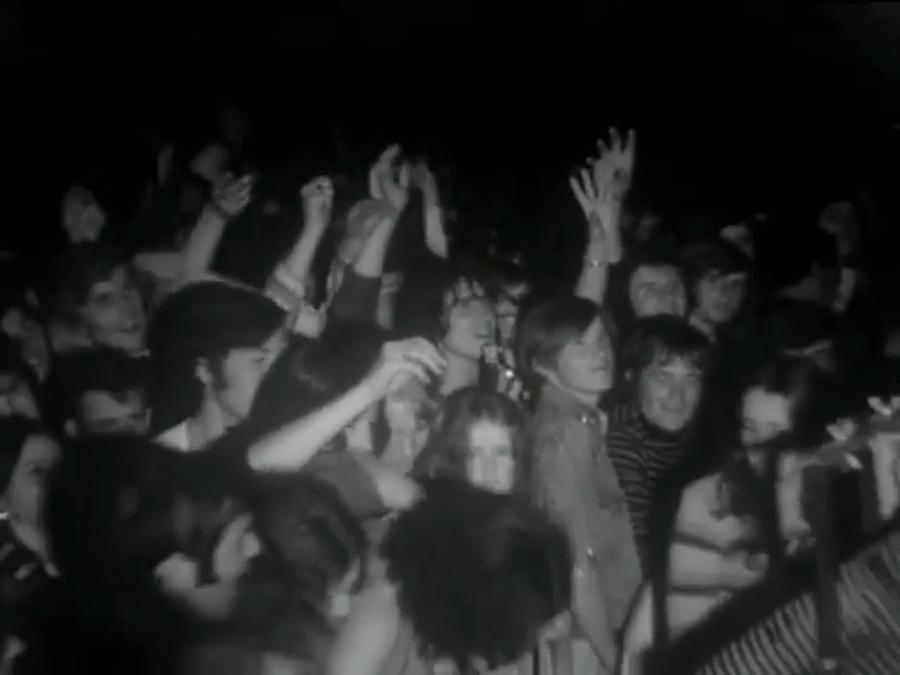 LES CONCERTS DE JOHNNY 'SAINT-LO 1972' Vlcs1911