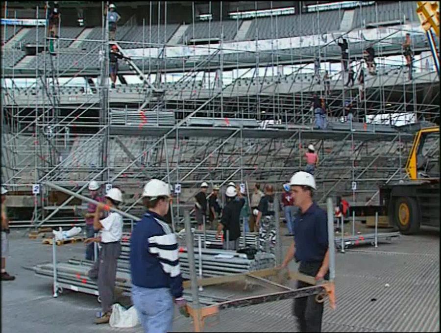 LES CONCERTS DE JOHNNY 'STADE DE FRANCE, SAINT-DENIS 1998' Vlcs2388