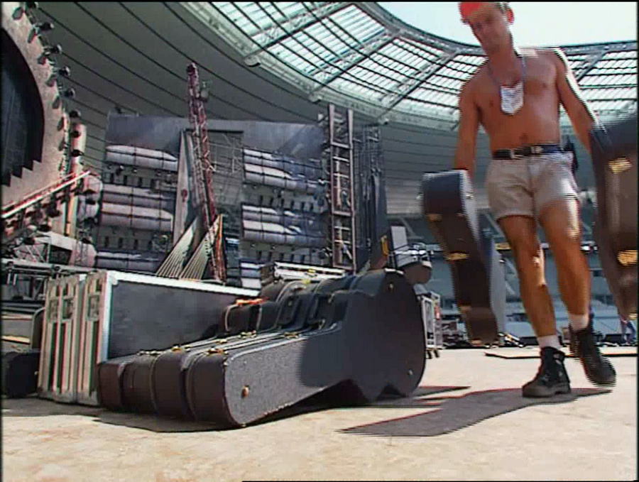 LES CONCERTS DE JOHNNY 'STADE DE FRANCE, SAINT-DENIS 1998' Vlcs2413