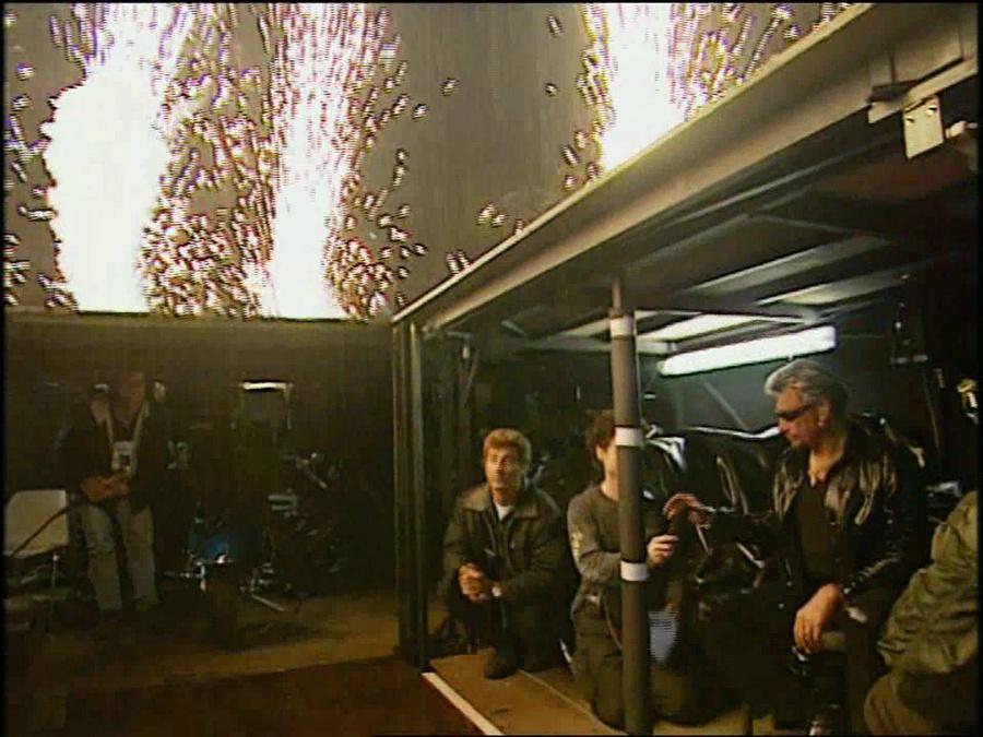 LES CONCERTS DE JOHNNY 'STADE DE FRANCE, SAINT-DENIS 1998' Vlcs2439