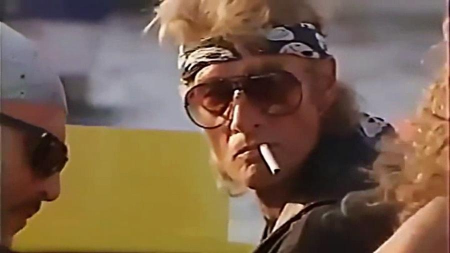 LES BATEAUX DE JOHNNY HALLYDAY 'WILD EAGLE' ( 1989 ) Vlcsn290