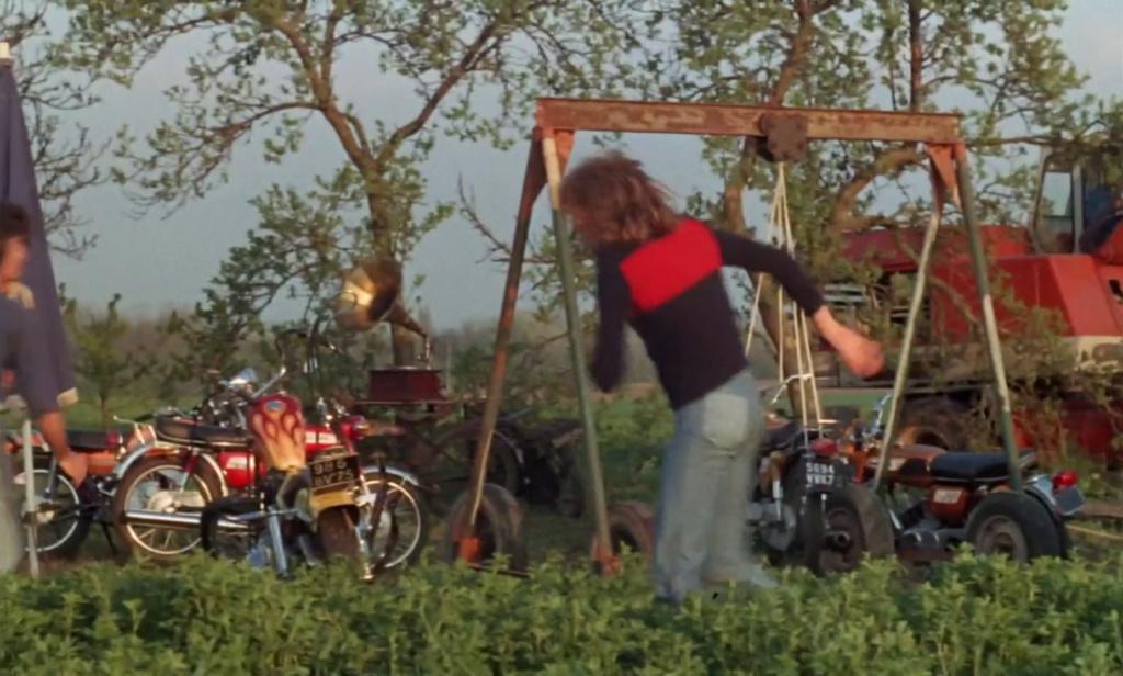 CHOPPER ( MOTEUR HARLEY SHOVELHEAD ) DE JOHNNY HALLYDAY ( 1971 ) Vlcsn383