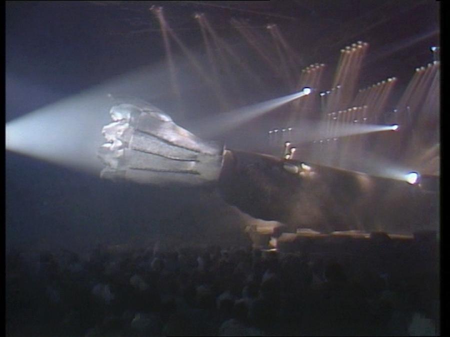LES CONCERTS DE JOHNNY 'LE ZENITH DE PARIS 1984' Vlcsn404
