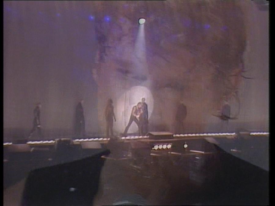 LES CONCERTS DE JOHNNY 'LE ZENITH DE PARIS 1984' Vlcsn408
