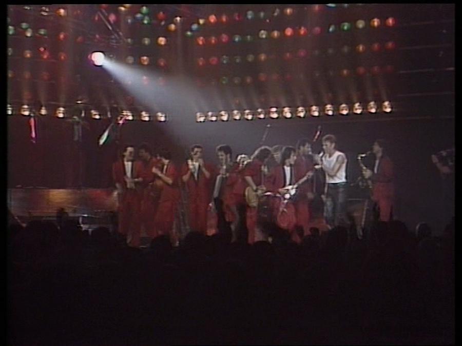 LES CONCERTS DE JOHNNY 'LE ZENITH DE PARIS 1984' Vlcsn421