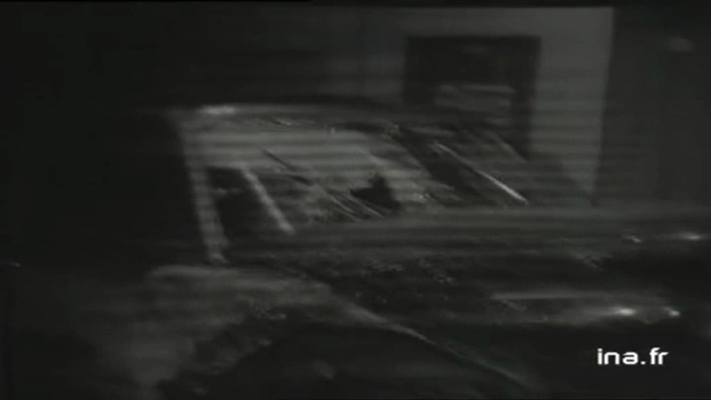 CITROËN DS 21 PALLAS DE JOHNNY HALLYDAY ( 1969 ) Vlcsn422