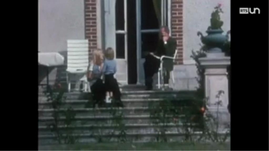 PROPRIETE OU A RESIDE JOHNNY HALLYDAY ( 1/10 ) 'LOCONVILLE' ( 1963-1979 ) Vlcsn492