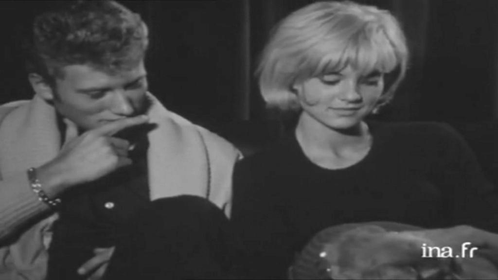 PROPRIETE OU A RESIDE JOHNNY HALLYDAY 'GROSROUVRE ( 1963-1965 ) Vlcsn613