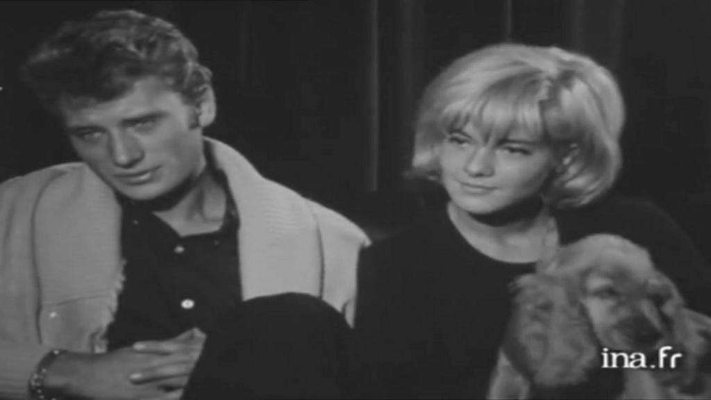 PROPRIETE OU A RESIDE JOHNNY HALLYDAY 'GROSROUVRE ( 1963-1965 ) Vlcsn614