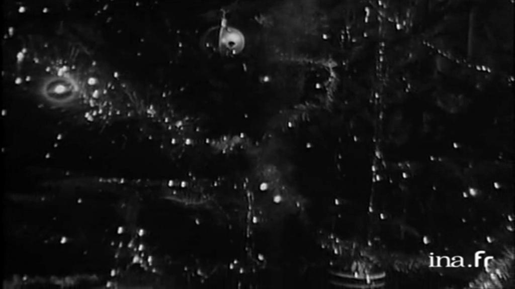 PROPRIETE OU A RESIDE JOHNNY HALLYDAY 'GROSROUVRE ( 1963-1965 ) Vlcsn637