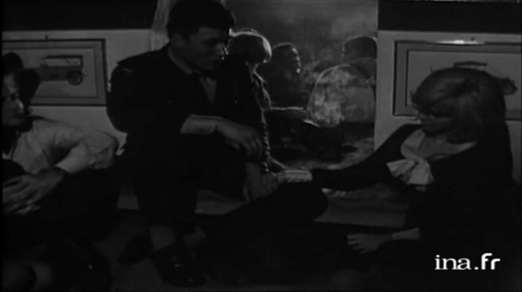 PROPRIETE OU A RESIDE JOHNNY HALLYDAY 'GROSROUVRE ( 1963-1965 ) Vlcsn642