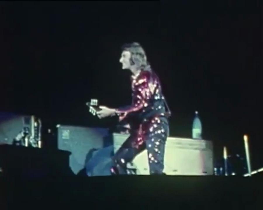 LES CONCERTS DE JOHNNY 'PALAIS DES SPORTS 1971' Vlcsn943