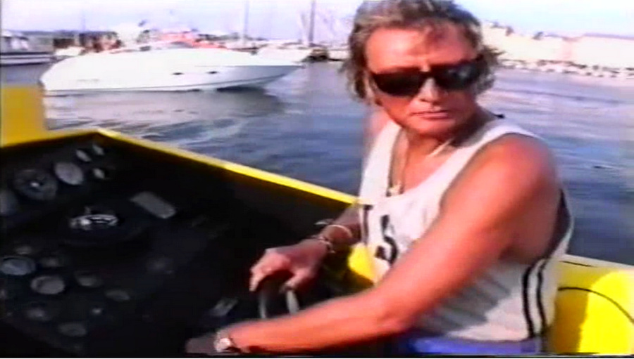 LES BATEAUX DE JOHNNY HALLYDAY 'WILD EAGLE' ( 1989 ) Vlcsna45