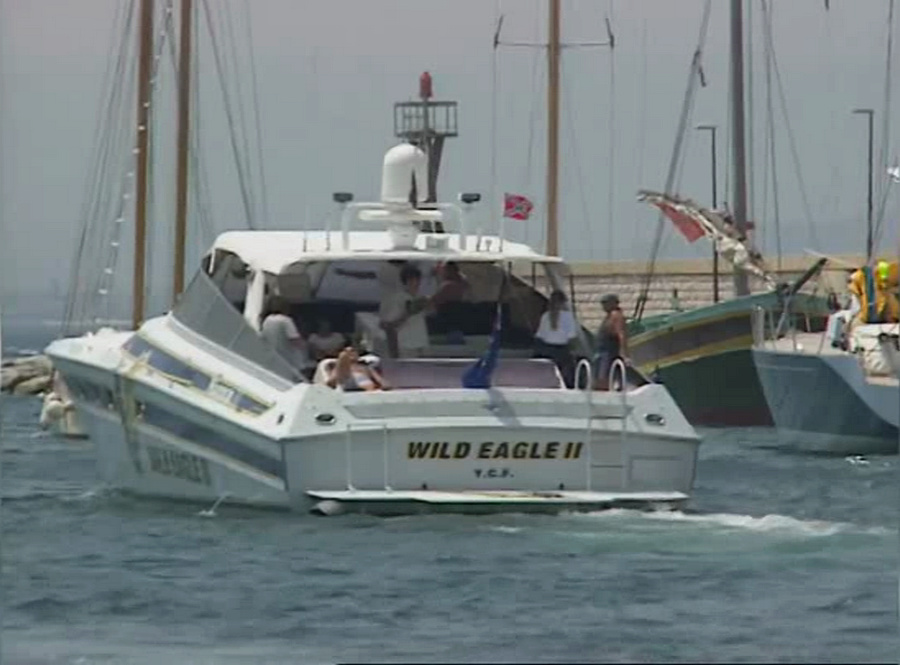 LES BATEAUX DE JOHNNY HALLYDAY 'WILD EAGLE II' ( 1995 ) Vlcsna88