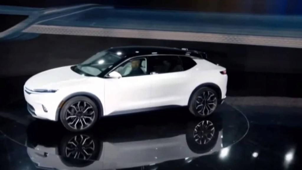 2021 - [Chrysler] EV Chrysl10