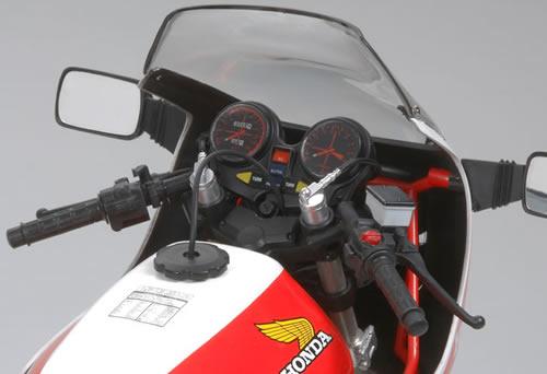 Honda CB 1100R Tamiya 1/6 16033-10