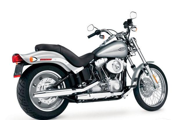 Harley Softail Custom au 1/9 17089010
