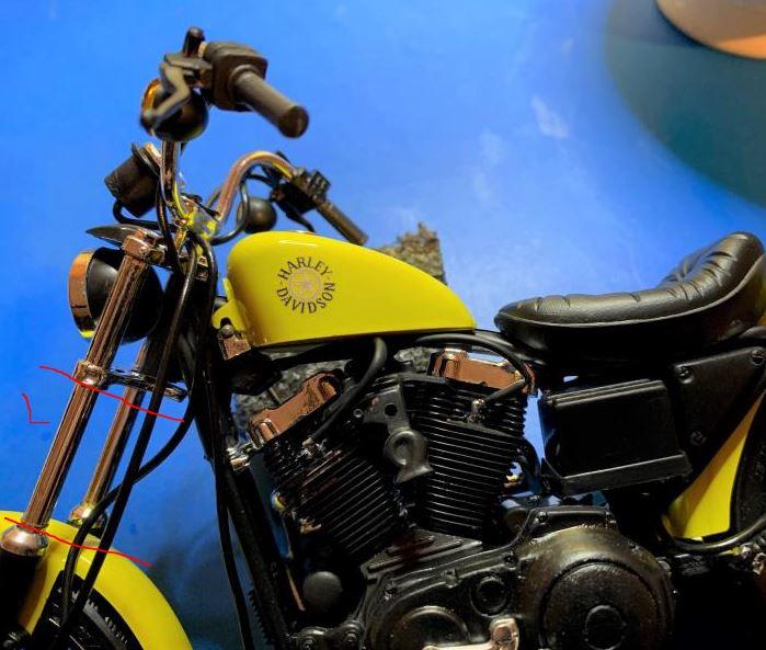 Harley Iron 883 au 1/9 Fourch11